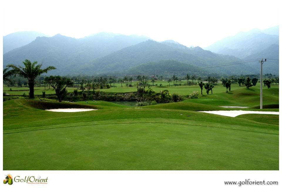 vietnam-golfcourse-diamond-bay-golf-villas-01