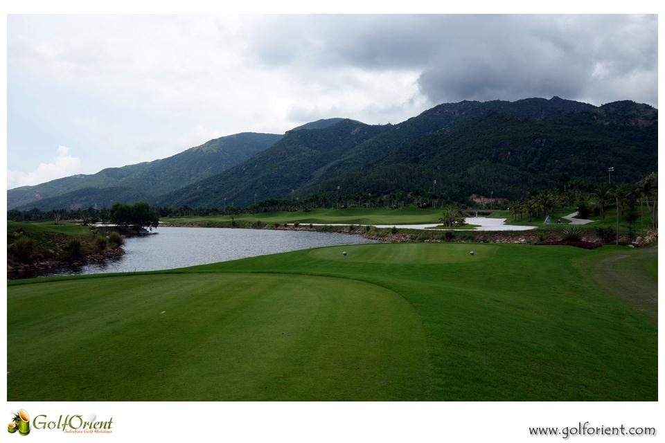 vietnam-golfcourse-diamond-bay-golf-villas-06